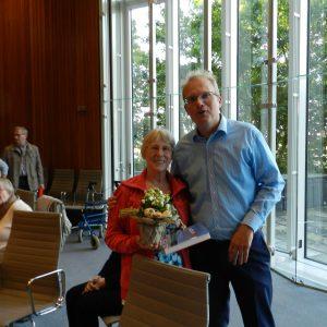 Auf in den Landtag 2013: Jochen Ott gratuliert Rosemarie Wittko